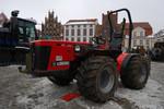 leichter Traktor mit Schneidmesser