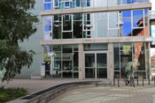 Eingang Institut für Psychologie