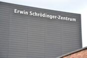 Erwin-Schrödinger-Zentrum (alter Schriftzug)