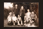 Elderly Carl and Dorothea Hoffmann with family